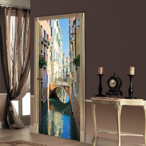 Фотообои венецианская улочка Doorfix d-020